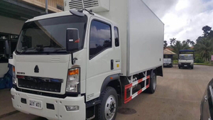 10ton howo 120hp 4*2 LHD refrigerated truck